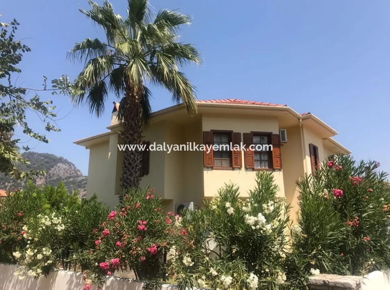 Müstakil Bahçeli Haftalık Kiralık Villa Deniz