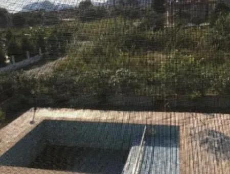 Dalyan Merkezde Yüzme Havuzlu Müstakil Satılık 2 Adet Daire